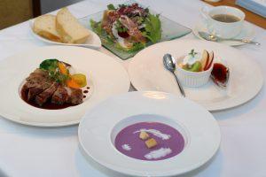 東温市産野菜のクリームスープ(紫芋・里芋等)※ランチコース内の写真